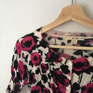 Forever 21 Sweaters - T W E N T Y  O N E  Cropped Cardigan